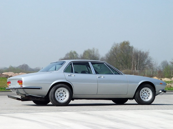 1970 De Tomaso Deauville had a rather Jaguar XJ look about it.