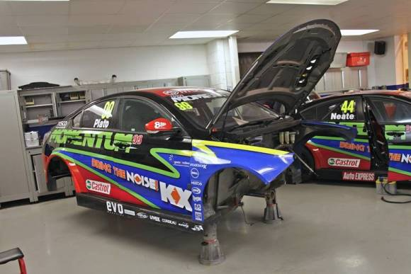 MG KX Momentum Racing's MG6 GTs in Triple Eight's Workshop