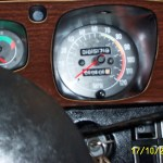 Close up of P76 speedo – it had 'quartic instrument bezels' rather than the quartic steering wheel of the contemporary Allegro!