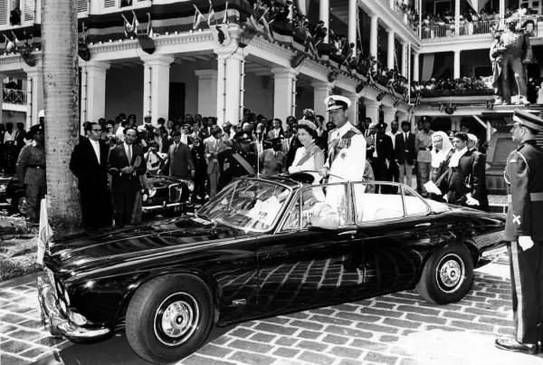 Queen_Elizabeth_&_Prince_Philip_-_1958
