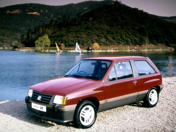 Vauxhall Nova (1)