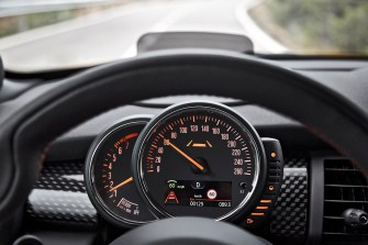 Speedometer moves from the centtre of the dash