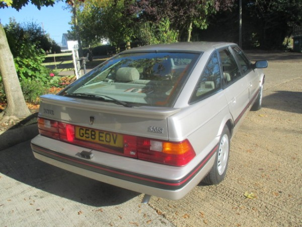 Export-spec Rover 820SI seems a little ambitiously priced despite its low miles. What's that doobrie on the back bumper?