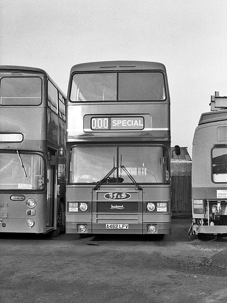 Looks like an Olympian doesn't it? Its actually an Atlantean chassis with ECW body - another former Leyland Bus development vehicle in the Fishwick fleet.