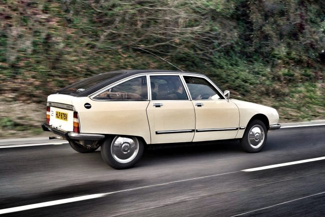 Getting to know the Citroen GS – after picking the car up from Aldershot, a quick motorway blast shows this car to be supremely competent (Picture: Andrew Freeman)