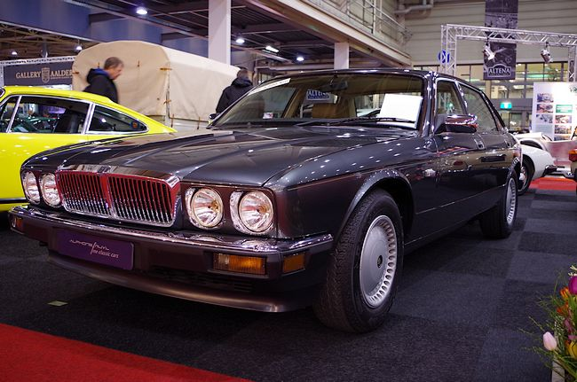 Over €32,000 for a Jaguar XJ40 4 Litre seems rather steep, but considering the example on sale had just covered a mere 4,500km in sunny Italy, comes with a full dealer logbook and just about looked like a brand new car from every angle, it does not seem too unreasonable - if you are really desperate for a brand new XJ40.