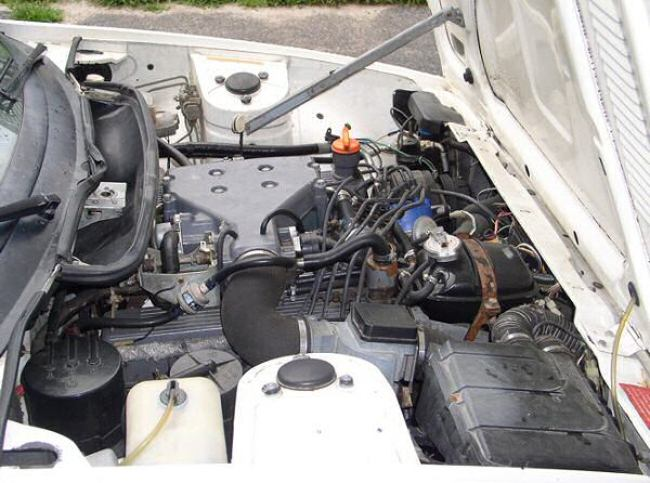 Triumph TR8 engine bay