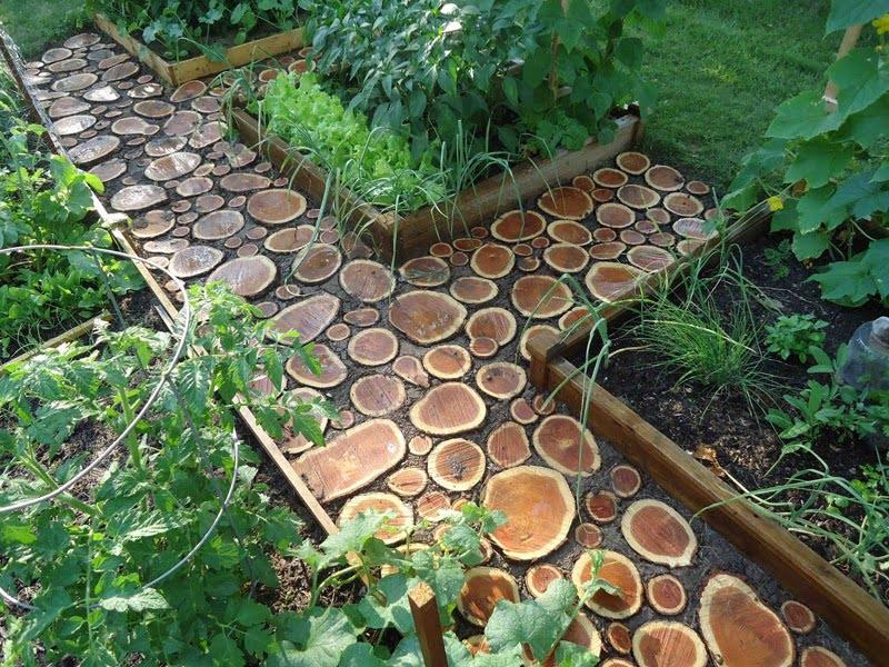 wood garden path ideas