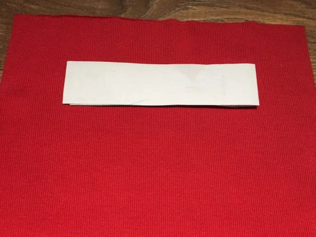 rib fabric can be cut on the straight grain