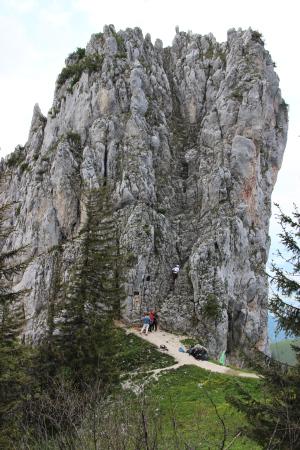 Felsnadel mit Kletterern