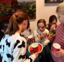 Kuchen essen im Kindertonstudio