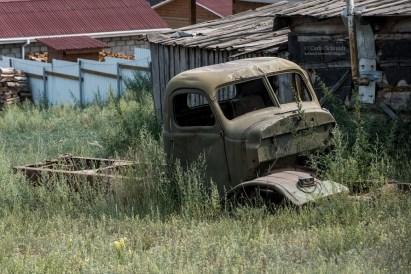 vergessenes Fahrzeug in Sibirien