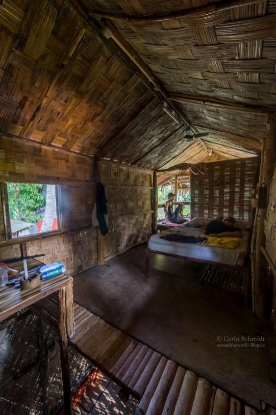 in unserer Bambushütte