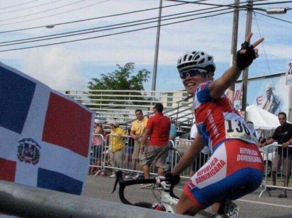 Amelia Blanco medalla de plata , El Salvador 2002