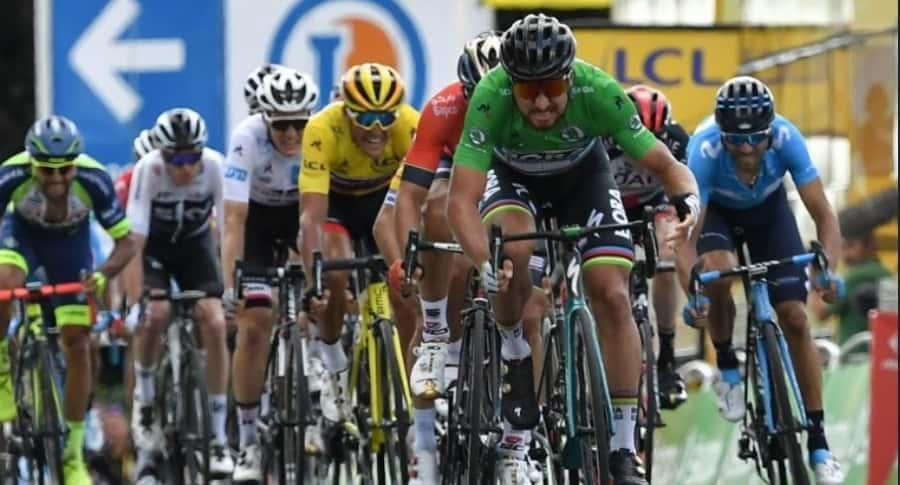 Peter Sagan tomando la delantera en Tour de Francia 2018