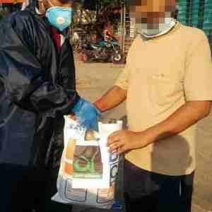 Arpon-Foundation-Arla-Foods-Bangladesh-Dano-Milk-Mohammad-Tipu-Sultan-www.mdtipusultan.com-www.arponfoundation.com-Food-Distribution-www.mindshiftltd676-min