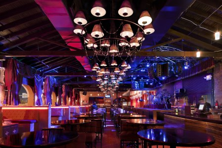118-Don_Quintin_Night_Club_Bar_1