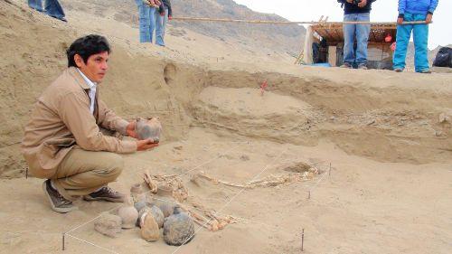 Descubren templete y 14 tumbas mochica en complejo arqueológico Ventarrón, Lambayeque