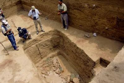 Descubren tumba de grandes dimensiones de 1000 d. C. Santuario Histórico Bosque de Pomac
