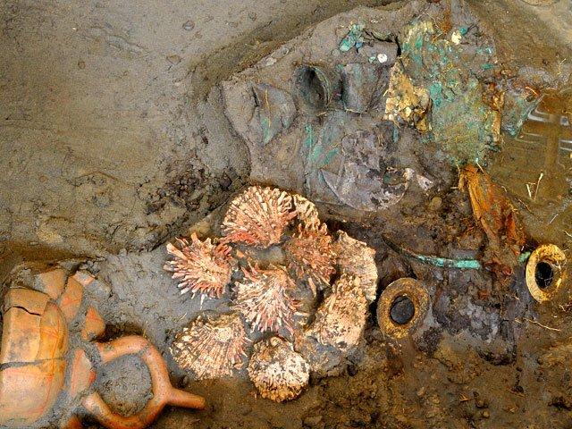 Chotuna Chornancap: el descubrimiento de orejeras de oro en tumba de jerarca