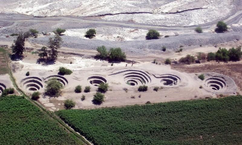 Descripción y análisis de los puquios como tecnología adaptada para la irrigación en Nasca, Perú
