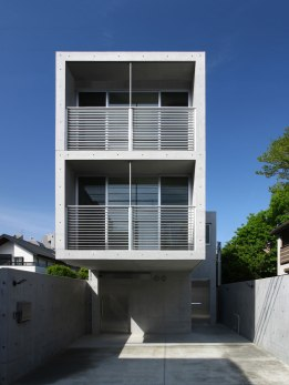 House in Minamikarasuyama - atelier HAKO architects