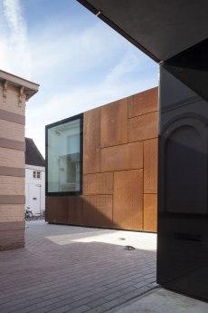 Librería Municipal en Brujas - Studio Farris Architects