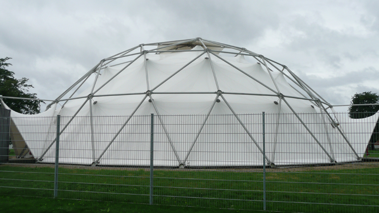 Vitra_geodesic_dome_in_Weil_am_Rhein