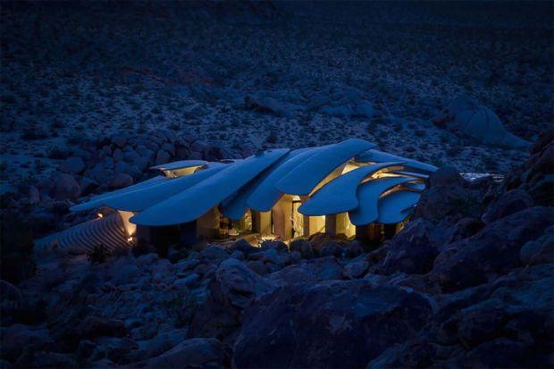 arquitectura high desert house Kendrick Bangs Kellogg fotografía de lance gerber nocturna general