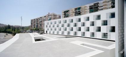 85 Viviendas Tuteladas y Un Centro Civico - Sergi Serrat, Gines Egea, Cristina Garcia