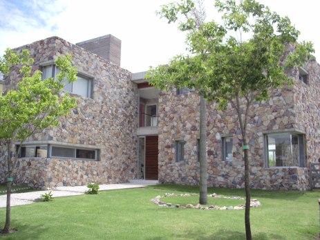 Casa en Los Castores - Sternberg Kohen Arquitectos