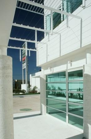 Gasolinera Bugambilias - Agraz Arquitectos