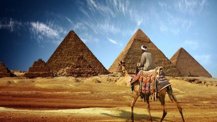 برجراف عن الاماكن السياحية في مصر بالانجليزي - klamnews.com