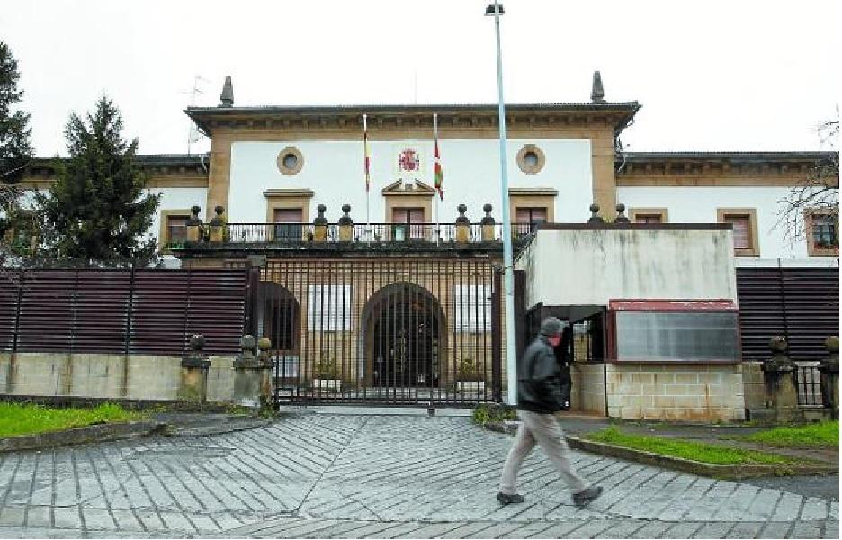 Demolición del Centro de Detención de Martutene