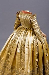 Werbemotiv-Damenkleid-Schraege_RA-angeschnitten-RK-i.-0045_x_01