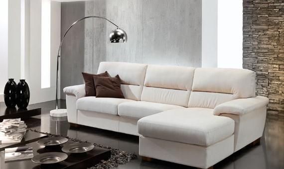 Scegli tra centinaia di soluzioni per arredare con gusto e desing il tuo soggiorno e la tua casa! Divani E Poltrone