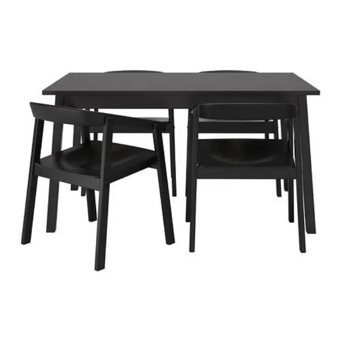 Un Tavolo Ikea Arreda Con Praticità La Zona Pranzo E La Cucina