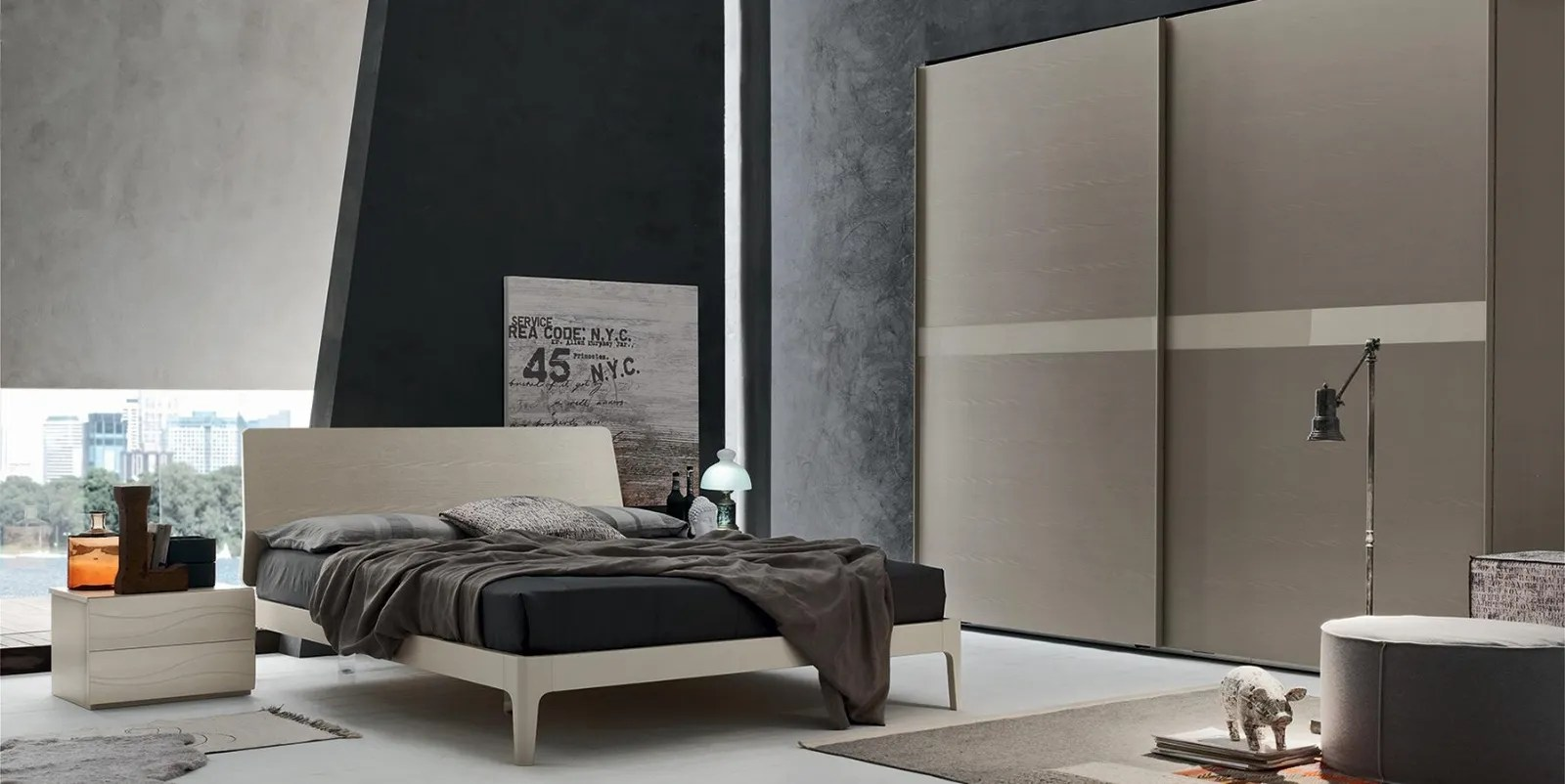Camera da letto matrimoniale con armadio tre ante scorrevoli e letto con box contenitore. Scopri Quanto Costa Una Camera Da Letto Moderna