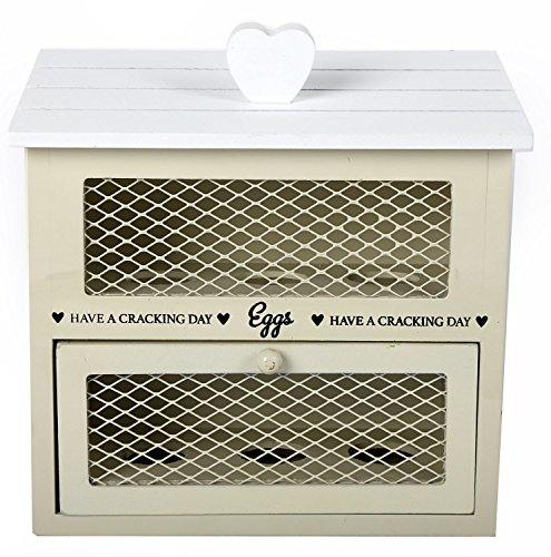 Casetta in legno portauova color crema in stile chic n shabby con cuori per organizzazione cucina