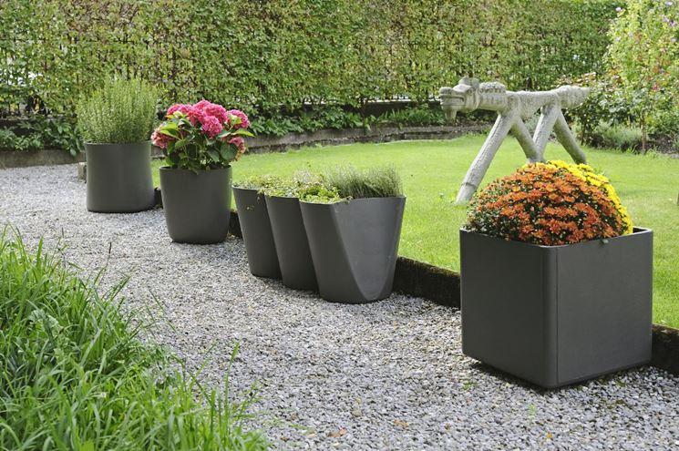 Vendita online di vasi, fioriere e contenitori per piante, da esterno o da interno. Fioriere Da Giardino Vasi E Fioriere Scegliere Tra I Modelli Di Fioriera Da Giardino