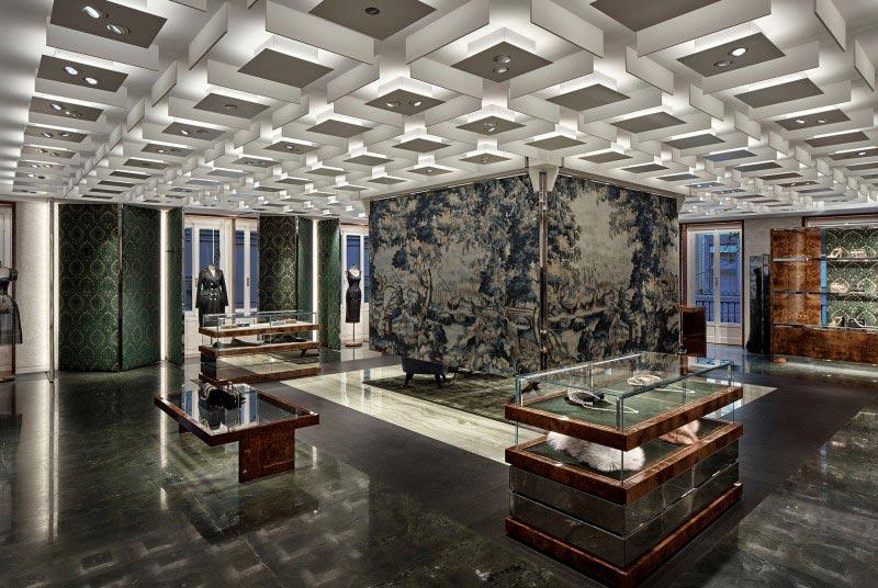 Dolce Gabbana finisce era concept store