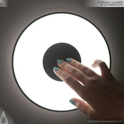 Lampade da parete Moonlight Interactive di Oblikus Design Studio