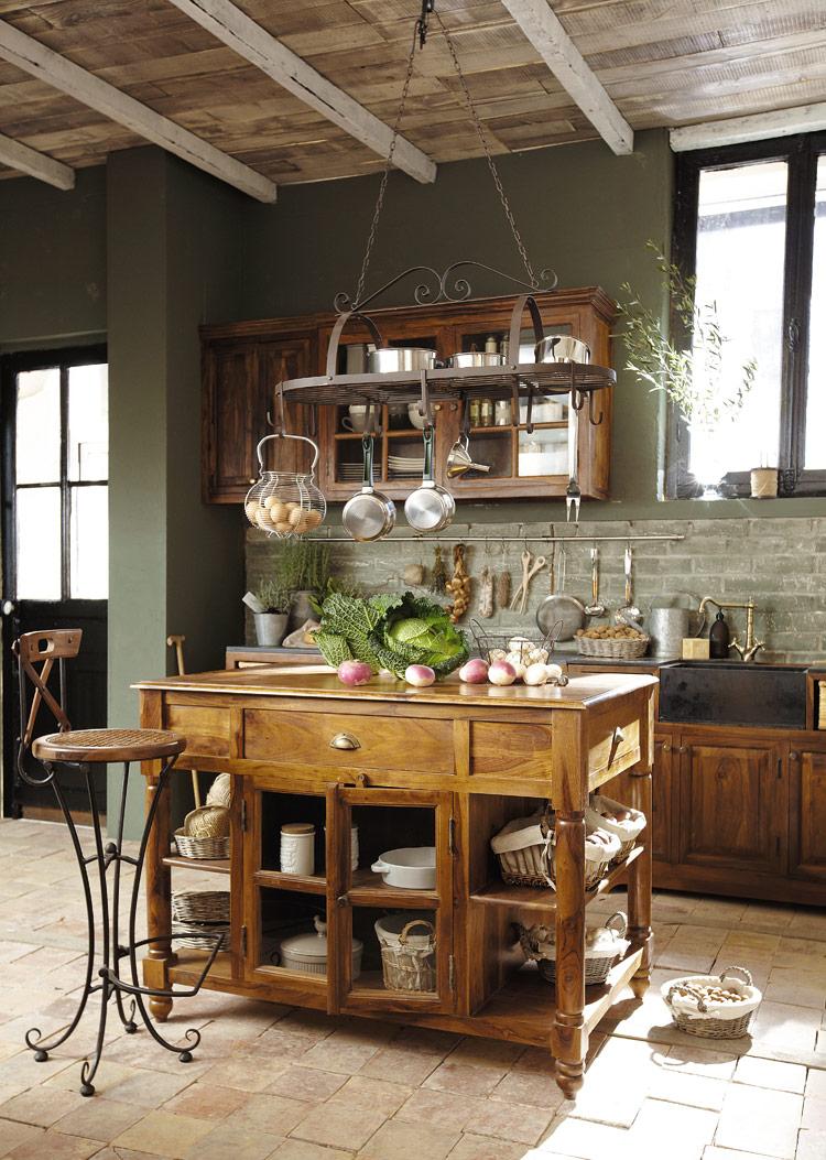 Questa è maison du monde. Luberon La Bellezza Del Legno Nella Cucina Classica Arredica