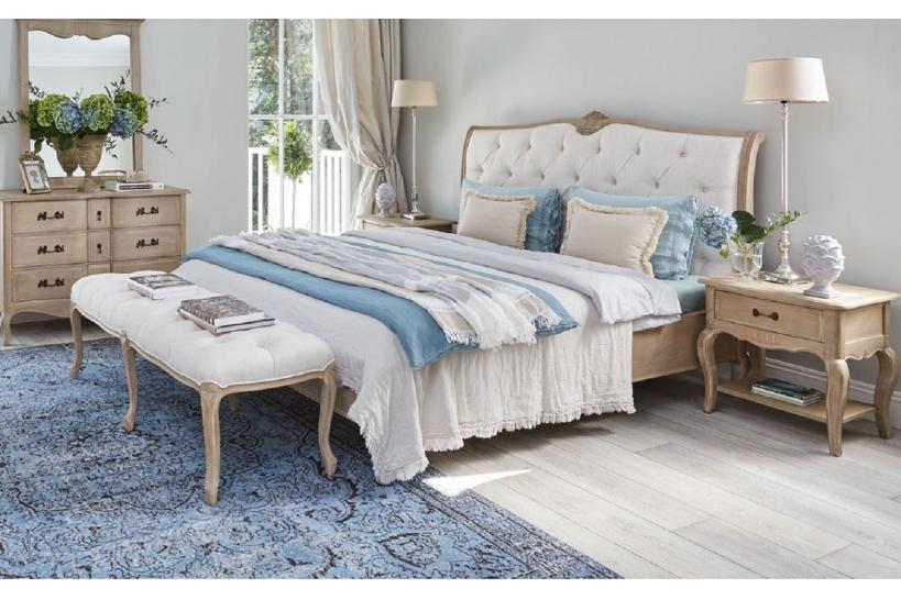 Una camera da letto in stile shabby chic non può non avere biancheria da letto ricercata. Letto Matrimoniale Shabby Chic In Legno Decapato Arrediorg It
