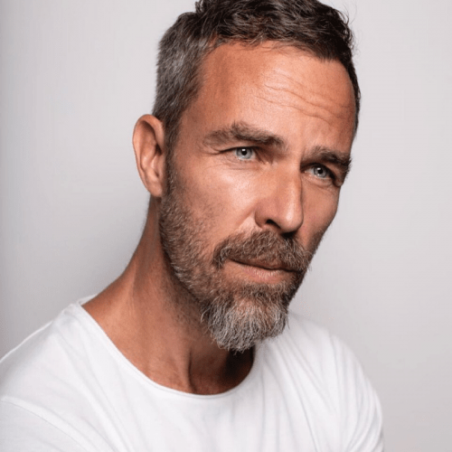 cuidados para una barba con canas