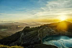 Matahari Terbit dari Arah Terbenam