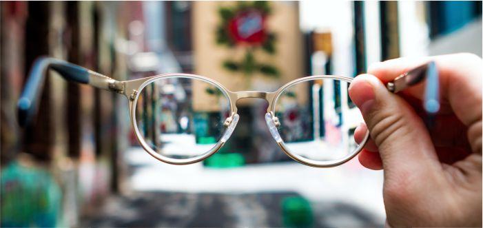 kultum majalah arrisalah, buta hati di dunia, buta mata di akhirat