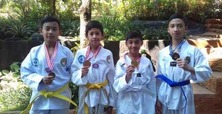 Tim Taekwondo SMP Ar Rohmah Unjuk Gigi Di Surabaya 4