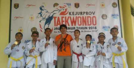Enam Medali Dibawa Pulang Dari Kejurprov Taekwondo Jawa Timur 2018 3