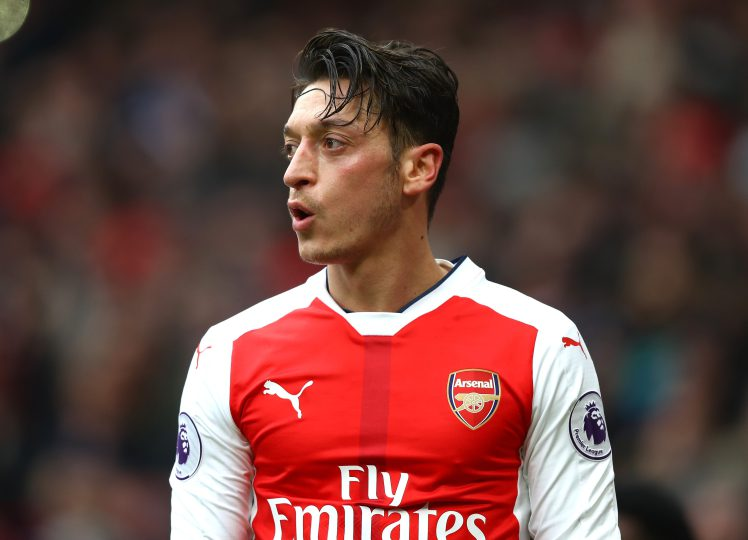 Ozil Signs Long Term Deal at Arsenal